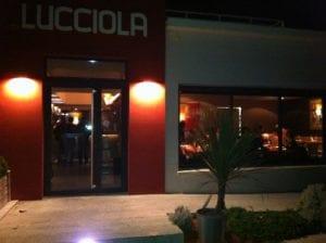 Facade du restaurant la nuit